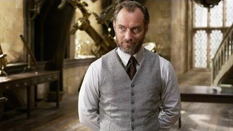 """Fantastic Beasts The Crimes of Grindelwald - """"Distinctly Dumbledore"""" Featurette"""