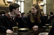 Ginny putzt Harry Blut ab
