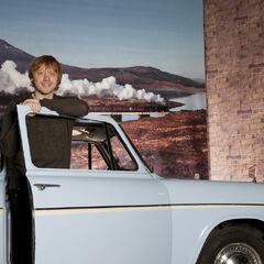 Руперт Гринт и Форд «Англия» в Национальном автомобильном музее в Бьюли