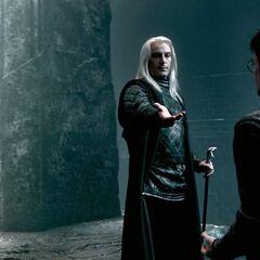 Сражение в Министерстве: Люциус требует у Гарри пророчество