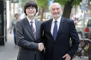 Macierewicz and Harry