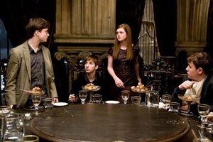 HP-HBP-Harry-Ginny-at-Slug-Club-Party-NEW-harry-and-ginny-2847778-499-332
