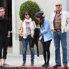 2012 год, Том и Джейд гуляют с её родителями