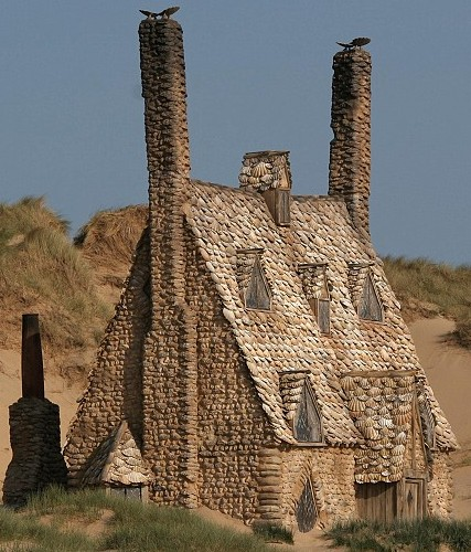 DH - Shell Cottage (film version) picture2