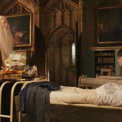 Дамблдор навещает Гарри