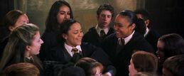 Анджелина ловит плащ профессора Локхарда