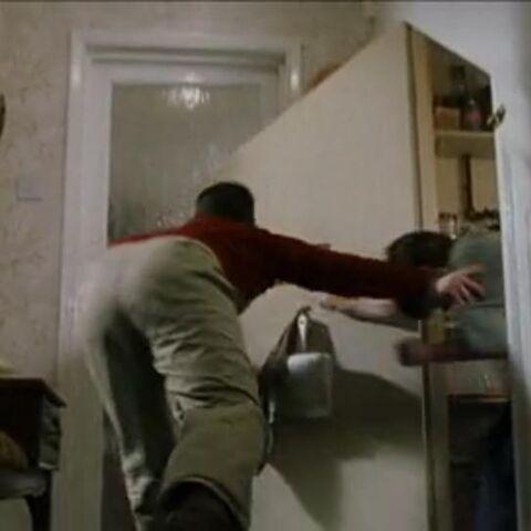 Дадли толкнул Гарри