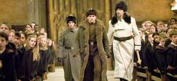 Viktor Krum e Igor Karkaroff entram em Hogwarts