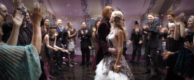 File:DH1 Fleur and Bill Weasley's wedding 02.jpg