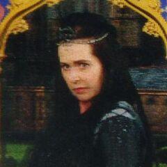 Мать Елены — Кандида Когтевран