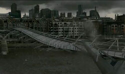 Potter-moments-millennium-bridge-590x350