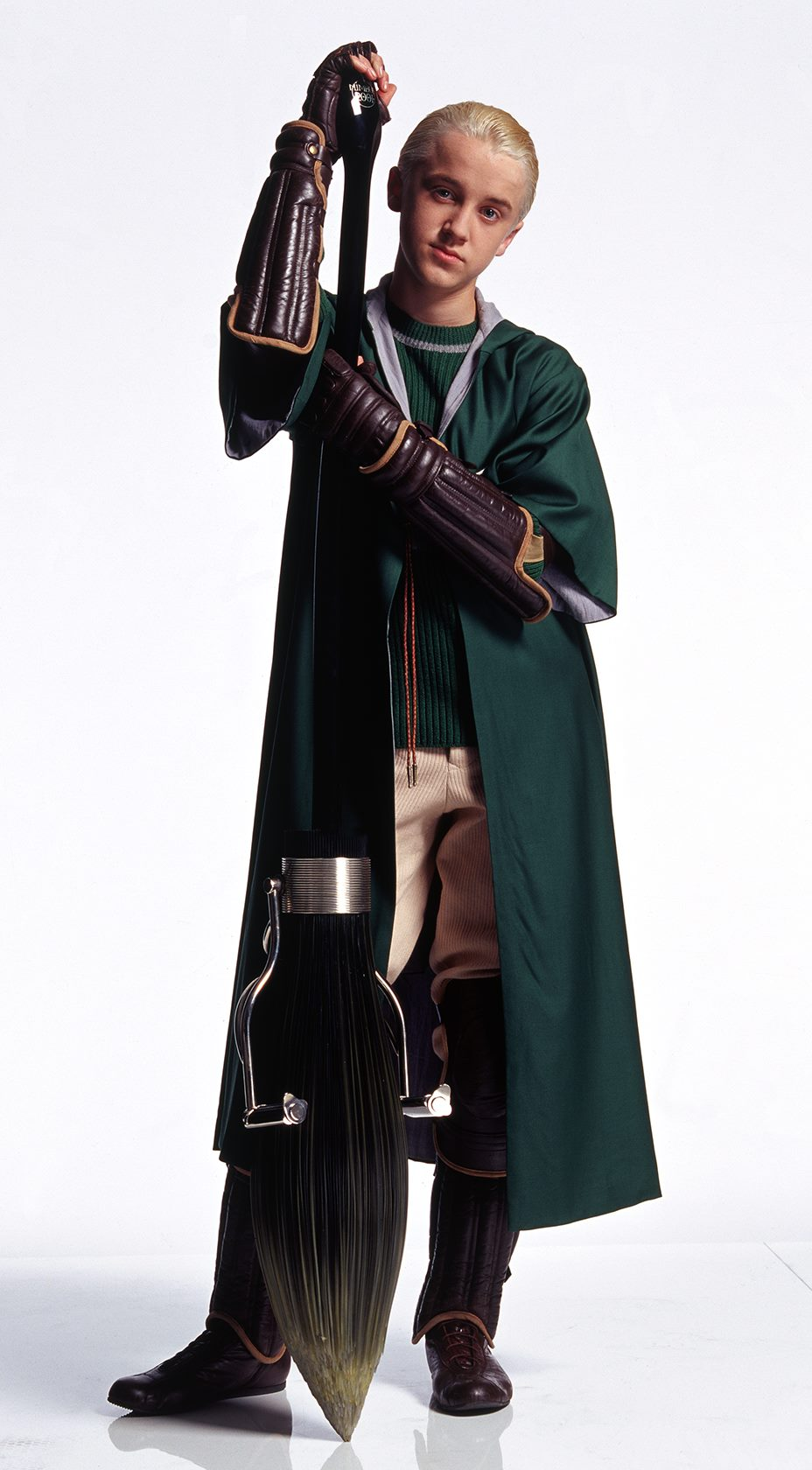 Slytherin quidditch teams nimbus 2001 broomsticks