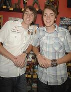 James und Oliver Phelps8