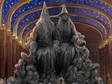 """""""Magie ist Macht""""-Statue"""