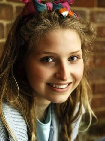 Lavender Brown (Prince's World) | Harry Potter Fanon Wiki ...