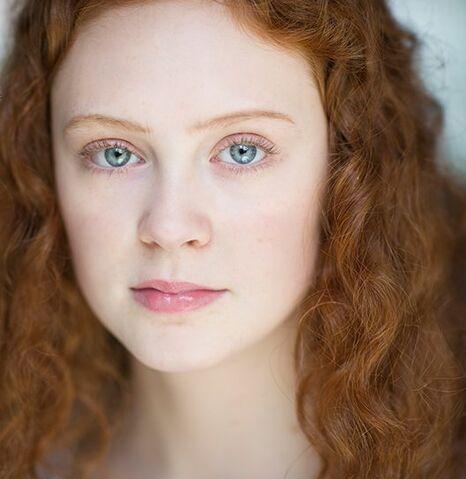 File:Rose Weasley by Helena Barlow.jpg