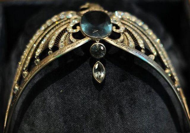 File:Rowena Ravenclaw's diadem.jpg