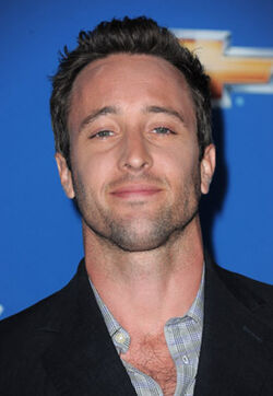 Alex O'Loughlin (2)