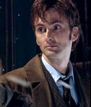 Doctor Who 2005 2x00 004