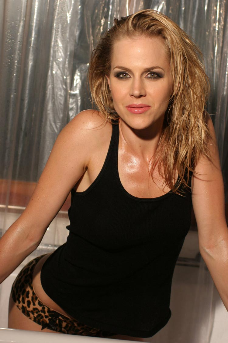 Pictures Julie Benzs nude (94 foto and video), Topless, Cleavage, Feet, cleavage 2020