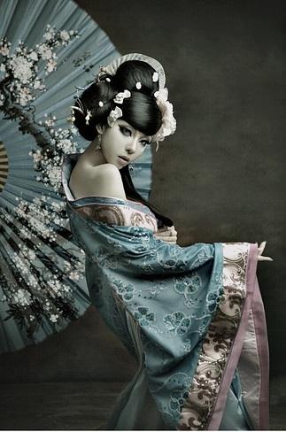 Women in a kimono by arianamontana-d5urtga