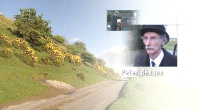 File:Peter Benson as Bernie Scripps in the 2001 Opening Titles.jpg