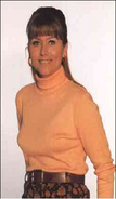 Tricia Penrose as Gina Ward
