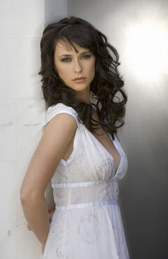 Jennifer-love-hewitt-000a