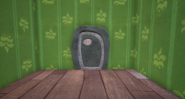 Железная дверь с другой стороны