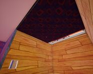 Фальшивый потолок над комнотой с картинами 1 (Бета 3)