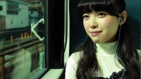 ℃-ute - Kimi wa Jitensha Watashi wa Densha de Kitaku (MV) (Nakajima Saki Train Lip Ver