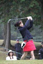 IkutaErina2014-MitsuiSumitomoCharityGolf