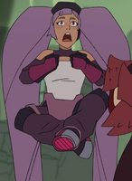 Entrapta criss crossed in air