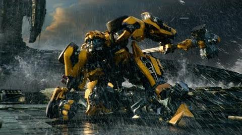 """Transformers The Last Knight - """"Moment"""" - Paramount Pictures"""