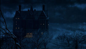 12313795099314-batman-v-superman-gotham-s-wayne-manor-throughout-the-ages-jpeg-142109 (1)