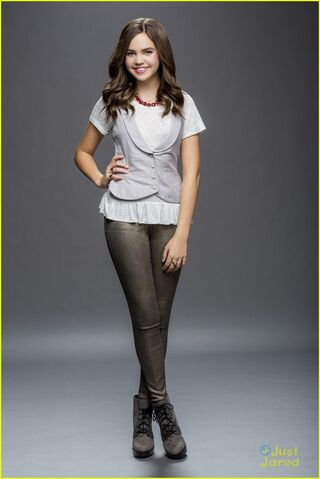 File:Bailee-madison-another-look-good-witch-series-05.jpg