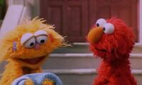 Elmo apologizes to Zoe
