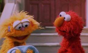 Elmo apologizes to Zoe