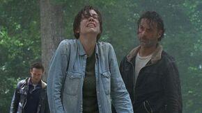 Maggie Rhee cries over Daryl
