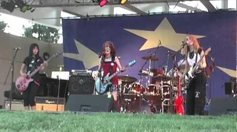 Cherri Bomb - Heart Shaped Box Live (2009)