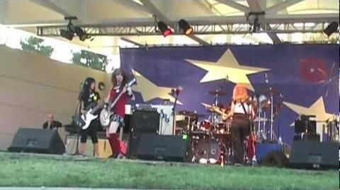 Cherri Bomb - What I Like About You Live (2009)
