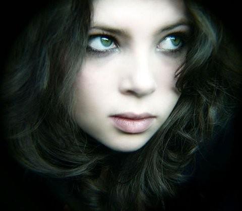 Image Beautiful Girl Dark Hair Green Eyes Beauty Eyes Girl