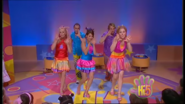 Hi-5 Rainbow 'Round The World 6