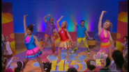 Hi-5 Rainbow 'Round The World 7