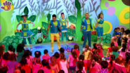 Hi-5 Dance With The Dinosaurs 5