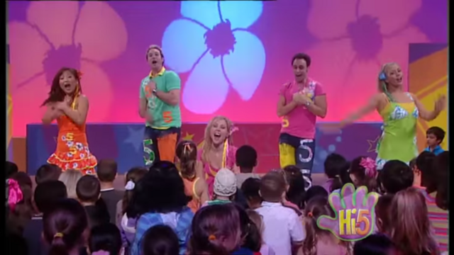File:Hi-5 Love All Around 4.png