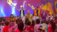 Hi-5 Jump And Shout 8