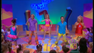 Hi-5 Rainbow 'Round The World 3