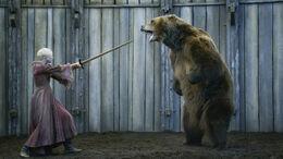 Brienne contra el Oso HBO