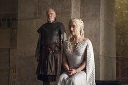 Barristan Lord Comandante y Daenerys HBO